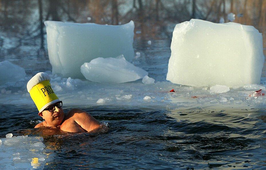 Если снится что зимой плаваешь в воже со льдом