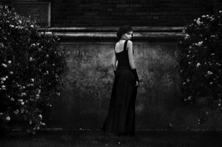 Сонник приснилась женщина в черном