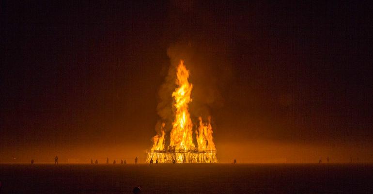 К чему снится горящая церковь