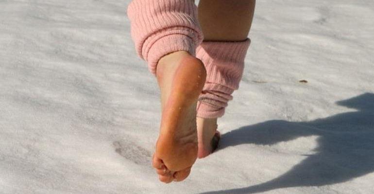 К чему снится ходить босиком по снегу