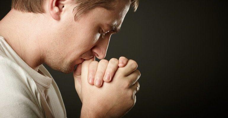 К чему снится молиться во сне