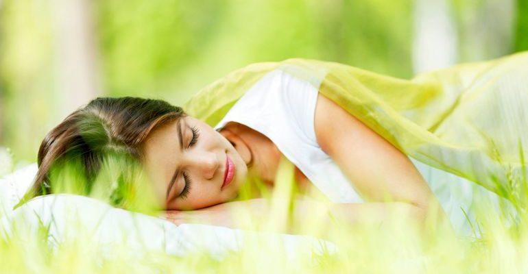 К чему снится зелёная трава женщине