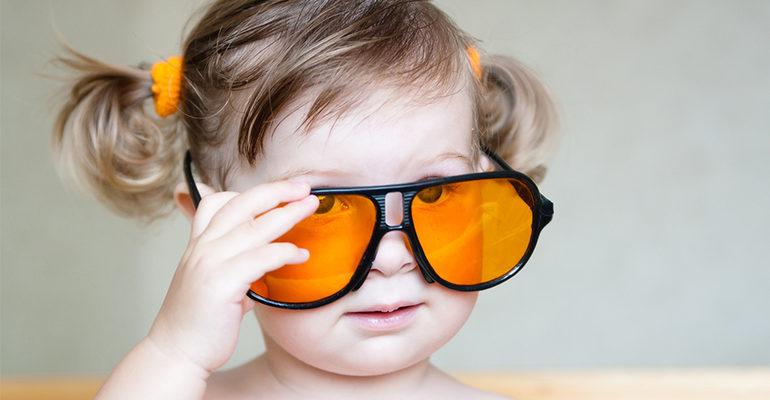 К чему снятся очки в разной оправе по соннику