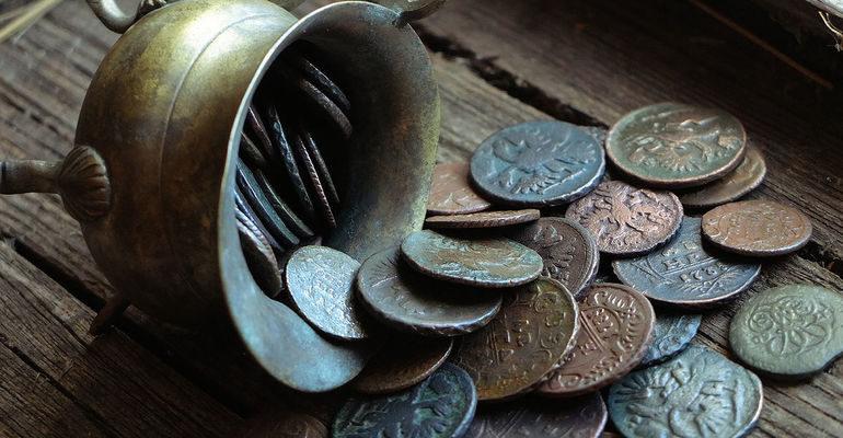 К чему снятся старинные монеты сонник