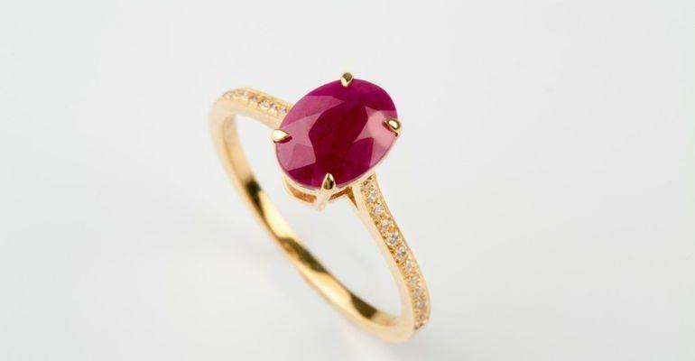 Золотое кольцо с рубином во сне