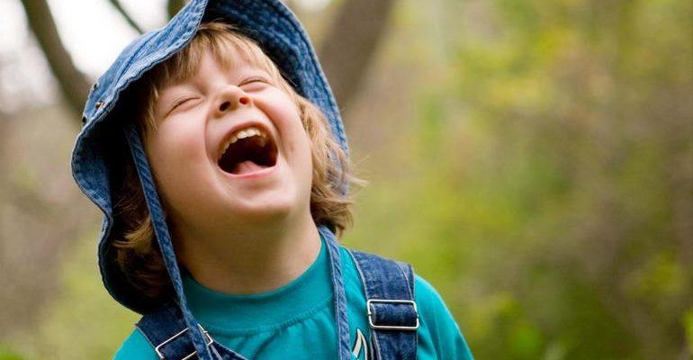 К чему человек смеется во сне
