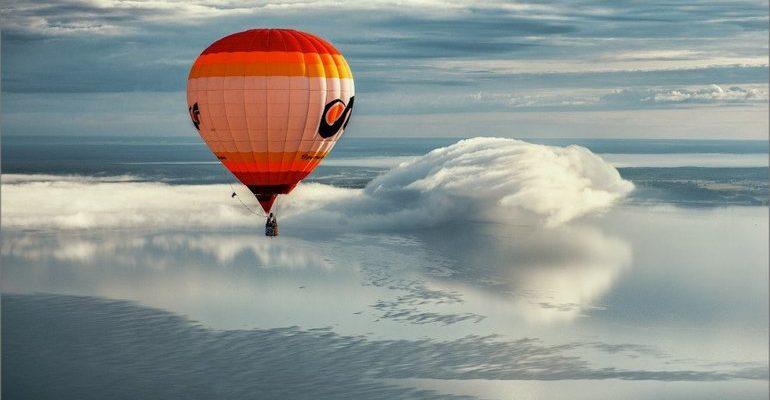 К чему снится летать на воздушном шаре сонник