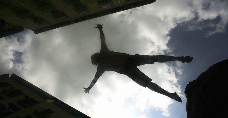 К чему снится падать с балкона