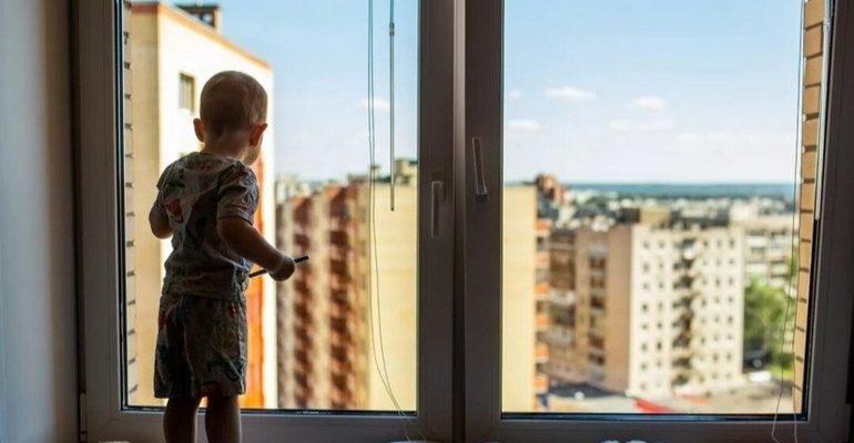 К чему снится ребенок выпал из окна