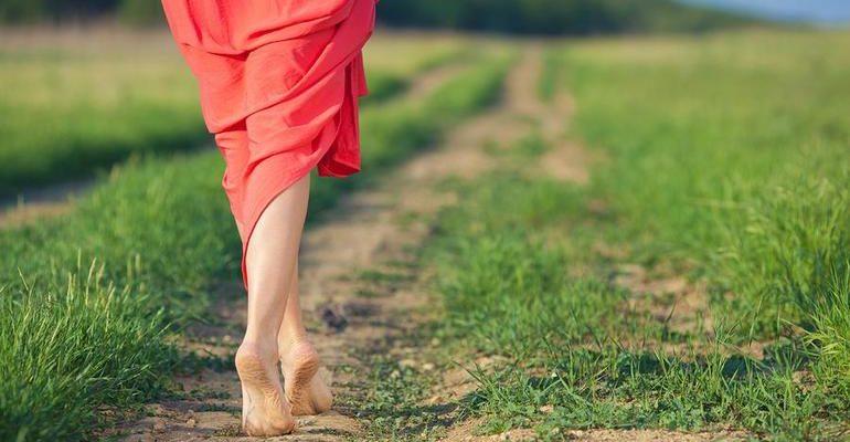 сонник ходить без обуви