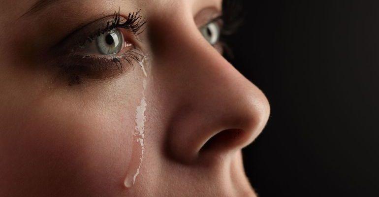 К чему снится плачущая девушка