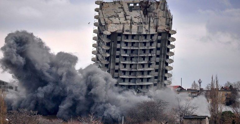 К чему снится сонник рушится здание