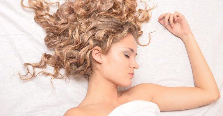 к чему снится волосы на полу собирать