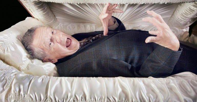 К чему снится гроб с живым человеком