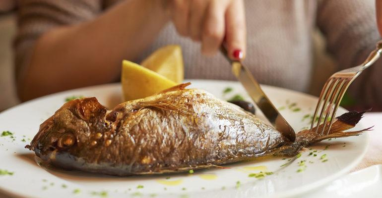 К чему снится кушать рыбу