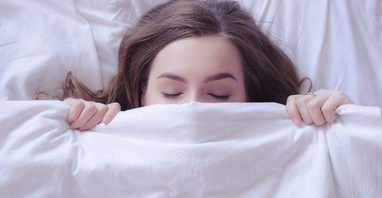 К чему снится лежать
