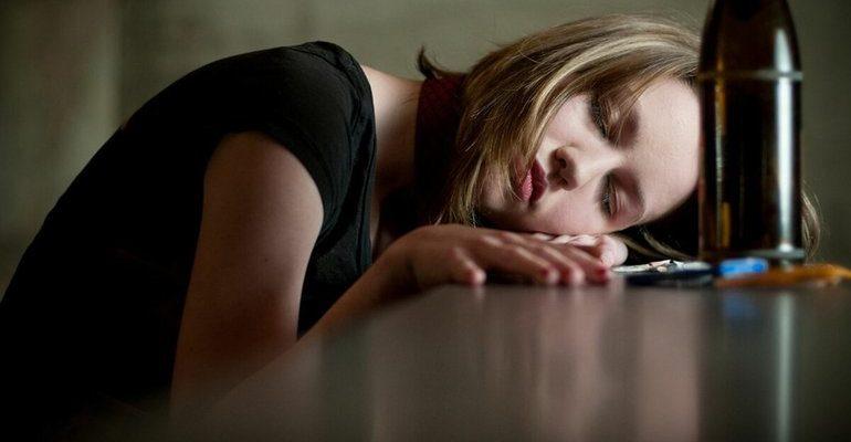К чему снится пьяная женщина