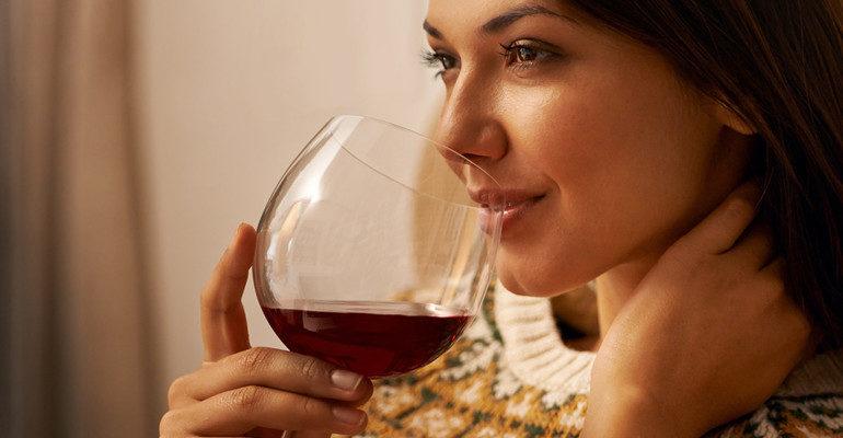 Пить вино во сне к чему снится