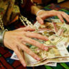 Сонник цыгане украли деньги к чему снится